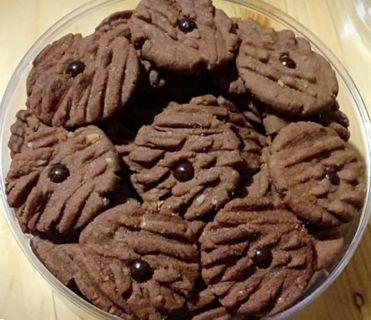 Kue Kering cokelat kacang kenari