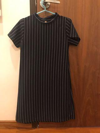 🚚 basic navy stripes dress
