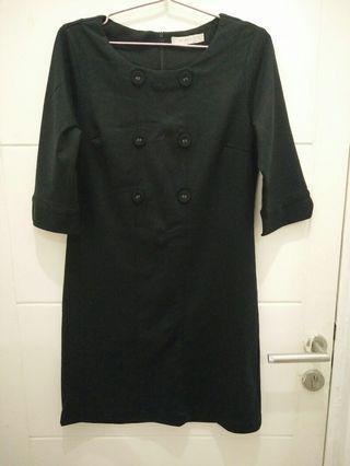 Black Buttoned Mididress