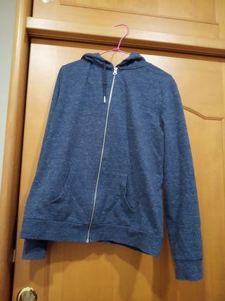 綴點藍色外套