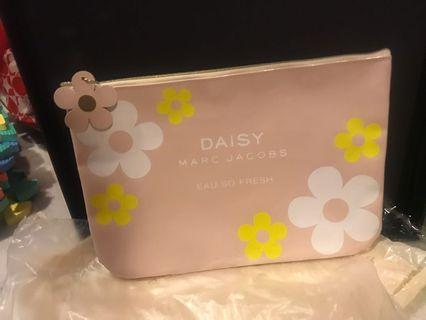 Marc Jacobs daisy big pouch