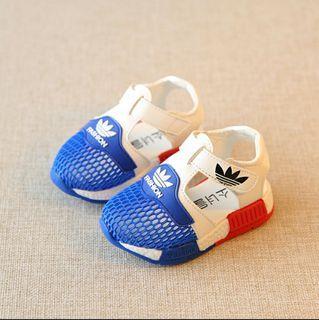 🚚 Kid/toddler shoes