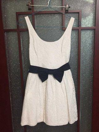 Hollister白色蕾絲連腰帶吊帶A字連身裙HCO white lace belted skater dress A&F Abercrombie & Fitch AF AEO