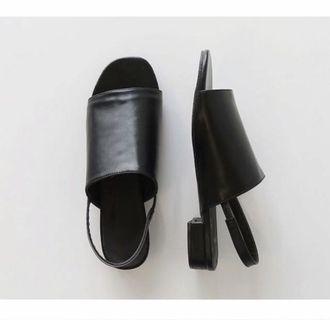 (徵收)正韓黑色涼鞋23~24號