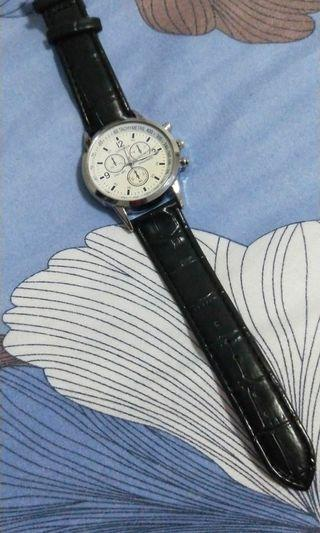 Leather watch cheap!