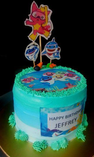 🚚 Baby shark cake