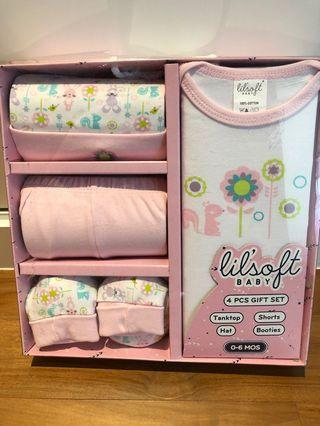 🚚 Baby girl clothing gift set