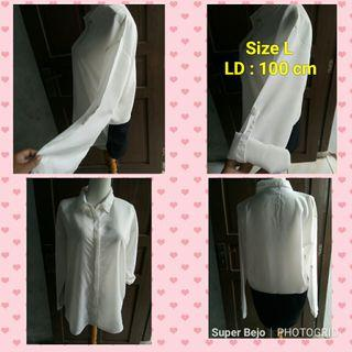 Black and white blouse kece