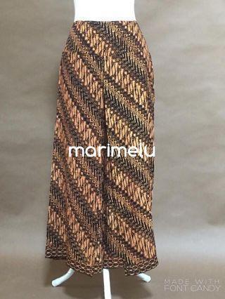 🚚 Earthtone modern batik silhouette pants