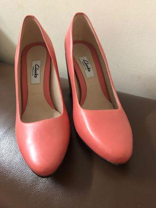 Clarks leather heels . New. Heels 9cm
