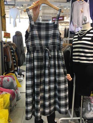 🚚 [現貨,售完不追] 正韓製 格紋腰綁帶吊帶裙 (2色)