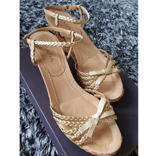 EXCELLENT GOLD PRADA WEDGE SHOES SANDALS