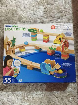Imagination discovery animals slide