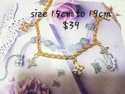 🚚 Bangkok Gold dangle Bracelet