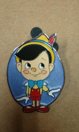 香港迪士尼樂園Hong kong Disney Pin,最新mystery Box徽章襟章小木偶