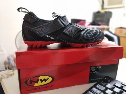 🚚 NW Northwave technical bike shoes 環島鞋 飛輪上卡/免上卡鞋 黑/紅底 41碼
