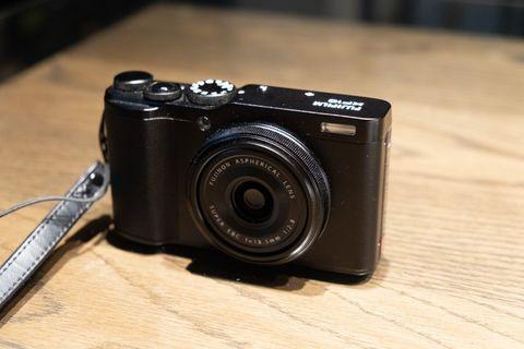 Fuji XF10 APSC Compact Camera