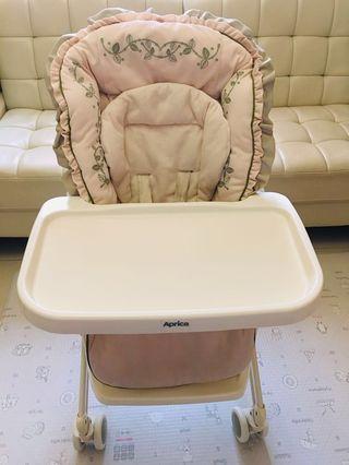 Aprica 初生BB搖搖床 / High Chair