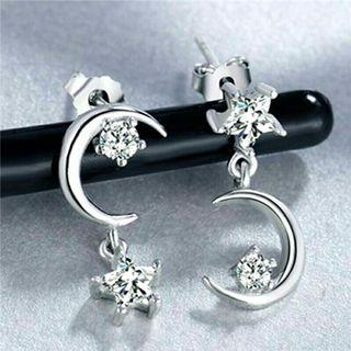 🚚 925 Silver Korean Fashion Design Moon Star Crystal Earrings