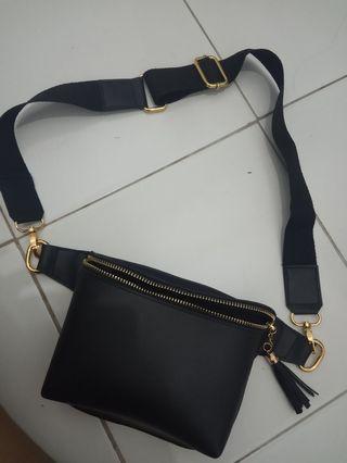 Waist bags hitam