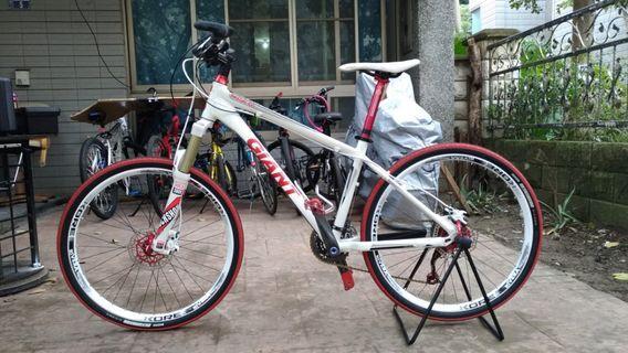 """Giant Bicycle ( Upgraded) 3x9. 26"""""""