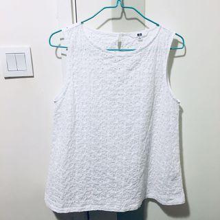 Uniqlo 通花白色背心 top