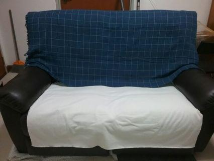 Leather sofa (2 seaters recliner)