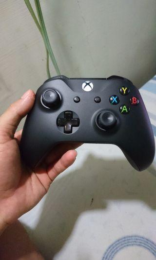 🚚 Xbox one x wireless controller + usb cable
