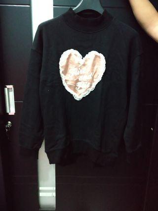 Turtleneck sweatshirt hitam