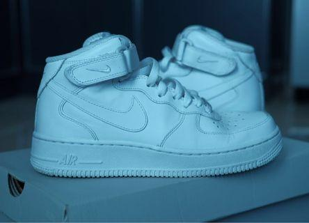 WMNS Nike Air Force 1 '07 Mid