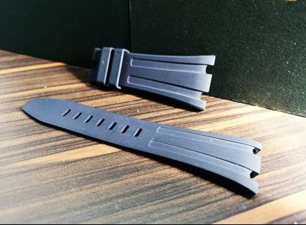 [Pre-Owned] Authentic Audemars Piguet Royal Oak Offshore Navy Blue Rubber Strap