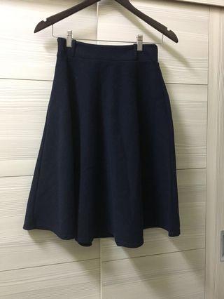 🚚 深藍及膝圓裙