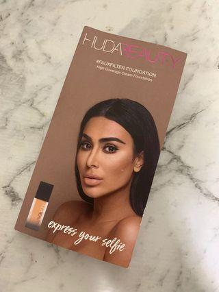 Huda Beauty #fauxfilter foundation sample