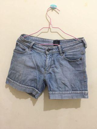 #BAPAU Celana Pendek Jeans Nevada