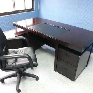 L型董事長桌,桌寬176*90 側桌有輪子 ,含桌下箱袖全套