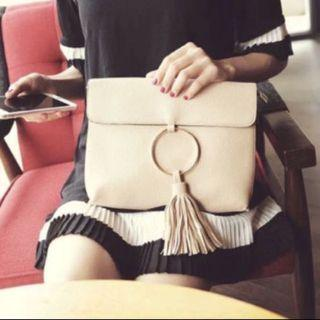 (INSTOCK) Black Tassel Clutch