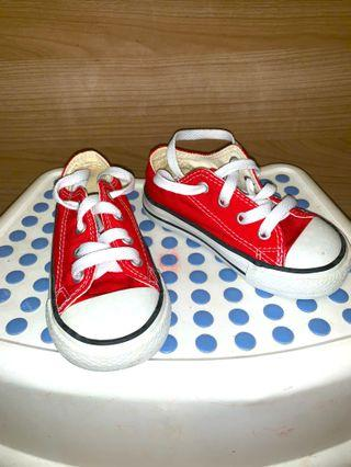 🚚 Original Converse All Star for toddlers.