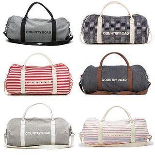 🚚 Country Road signature Duffle Bag