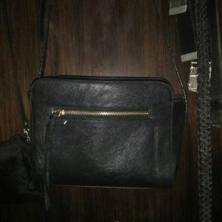(AUTHENTIC) Stradivarius Slingbag