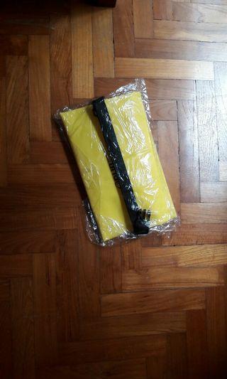 🚚 Beautiful yellow colour handbag