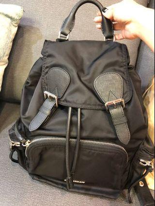 Burberry 黑色手提拉鍊雙肩 布面後背包