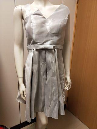 🚚 亮灰色高腰小禮服