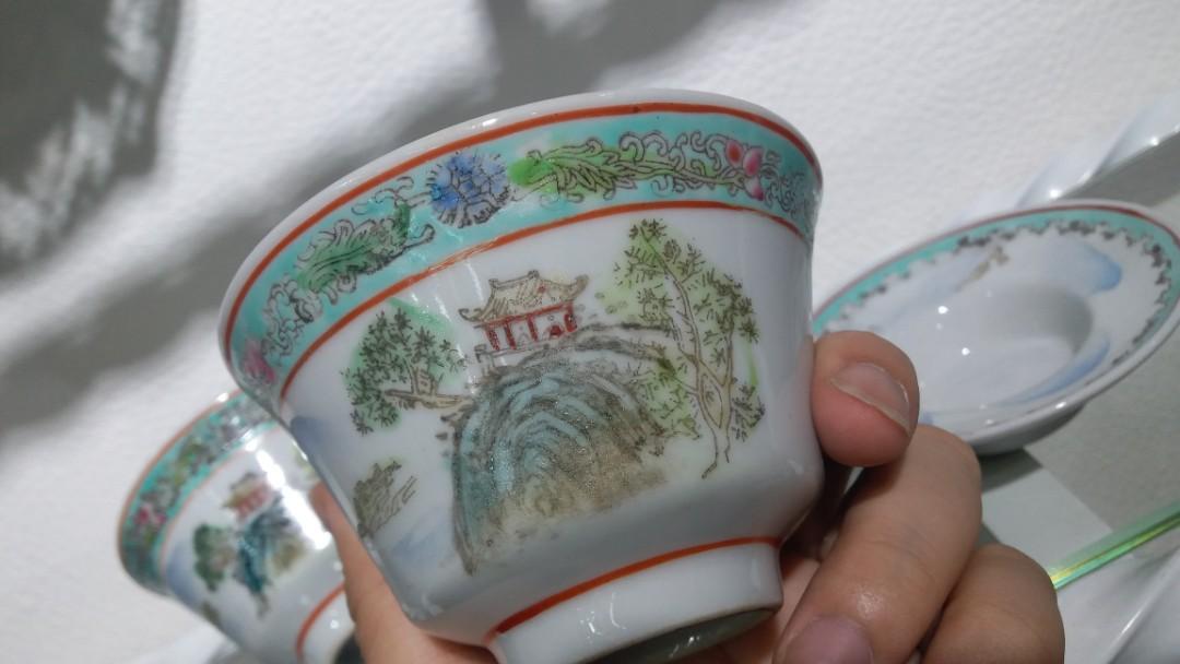 70年代尾景德鎮粉彩手繪山水茶盅$680,闊10.5高10cm