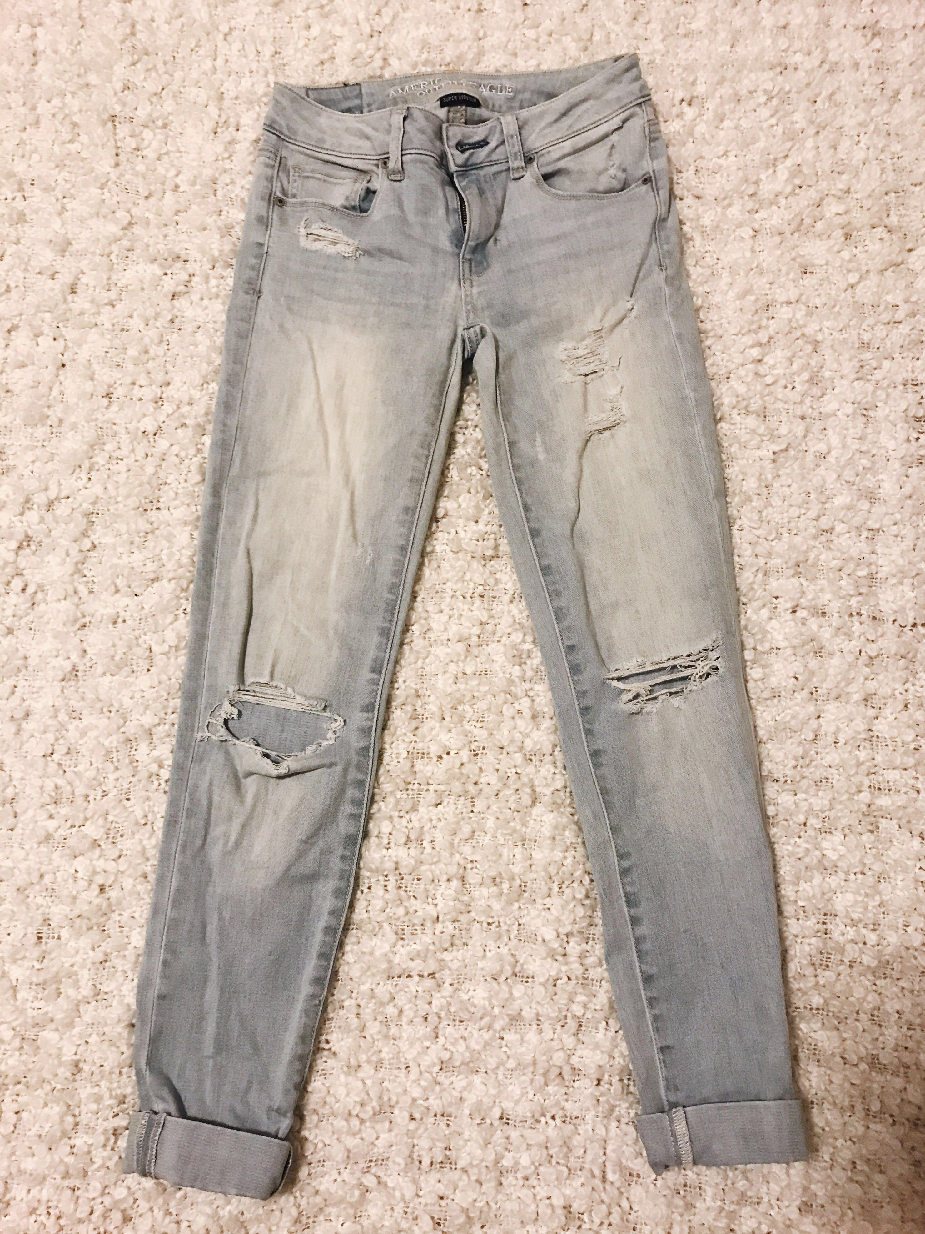 American Eagle super stretch ripped jeans (size 0)