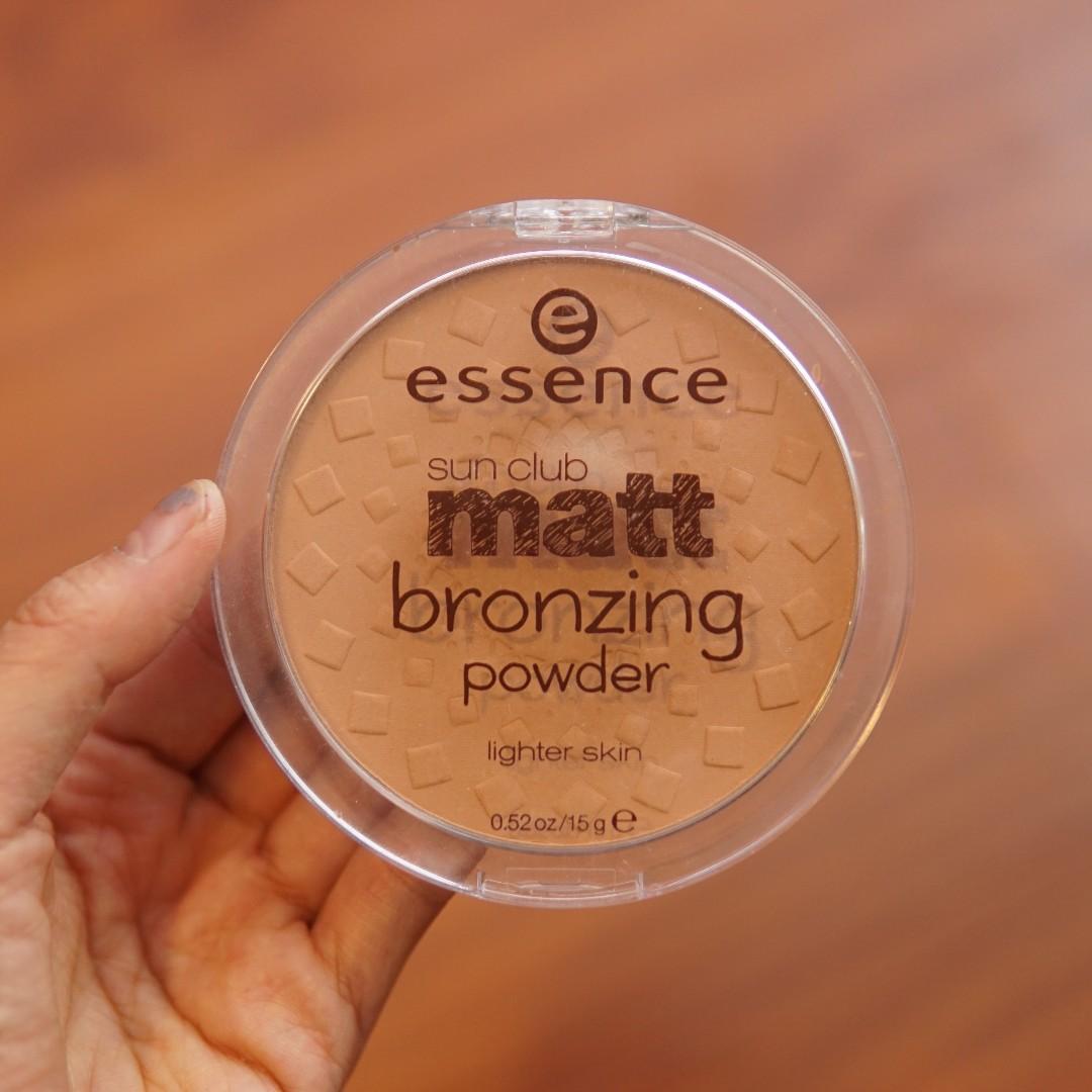 Essence Matte Bronzer