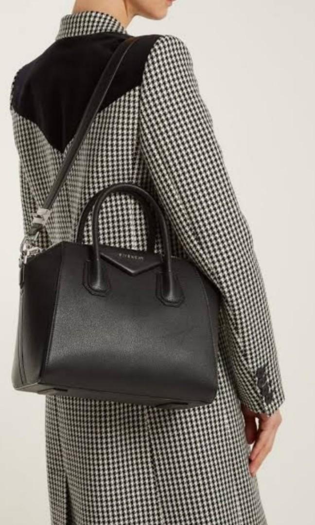 Givenchy Antigona small black grained leather