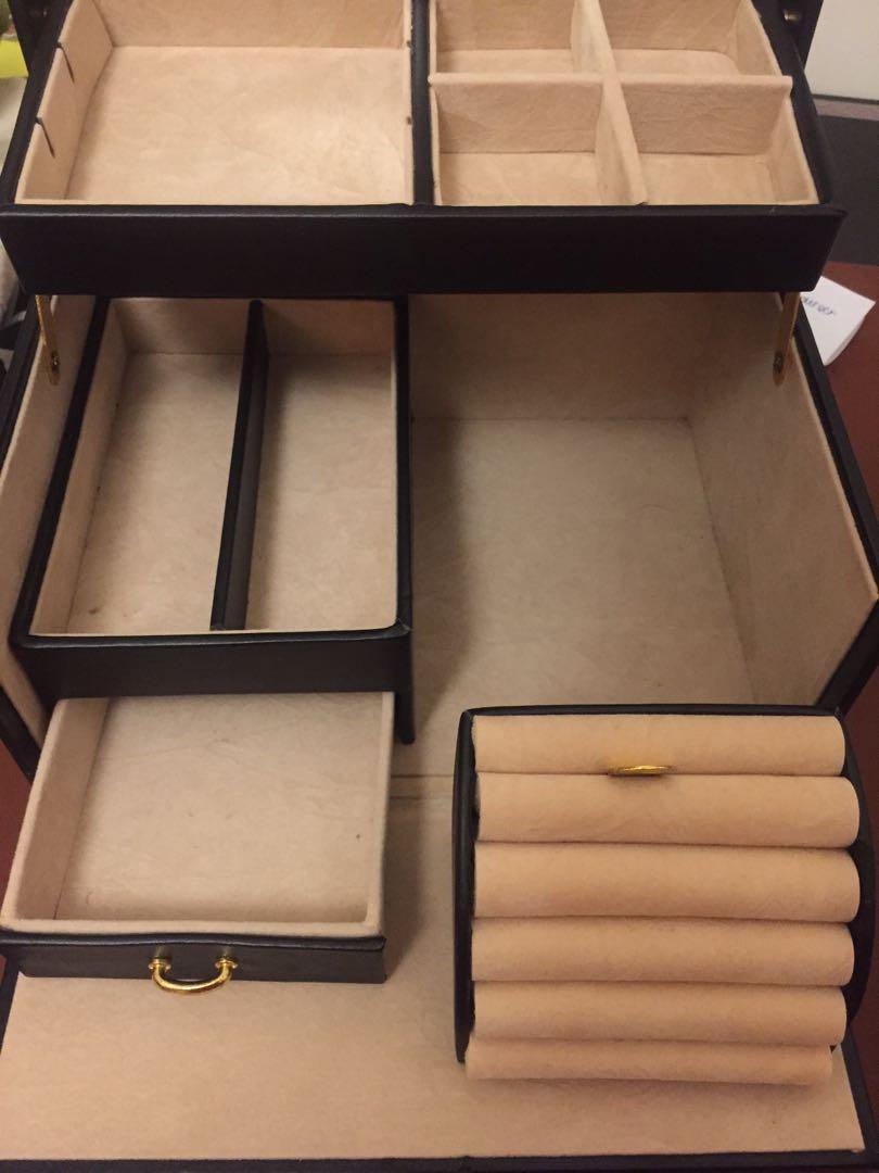 Jewellery box black with key