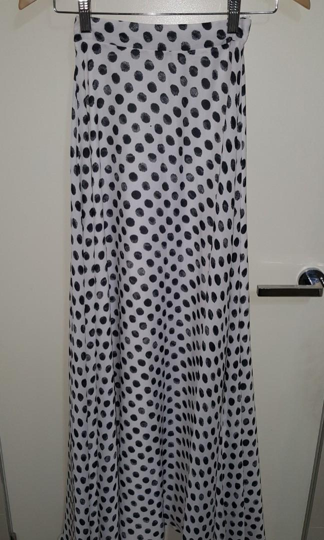 Love 'indie' Polka Dot White A Line Maxi/Skirt (Size 6 or XS)
