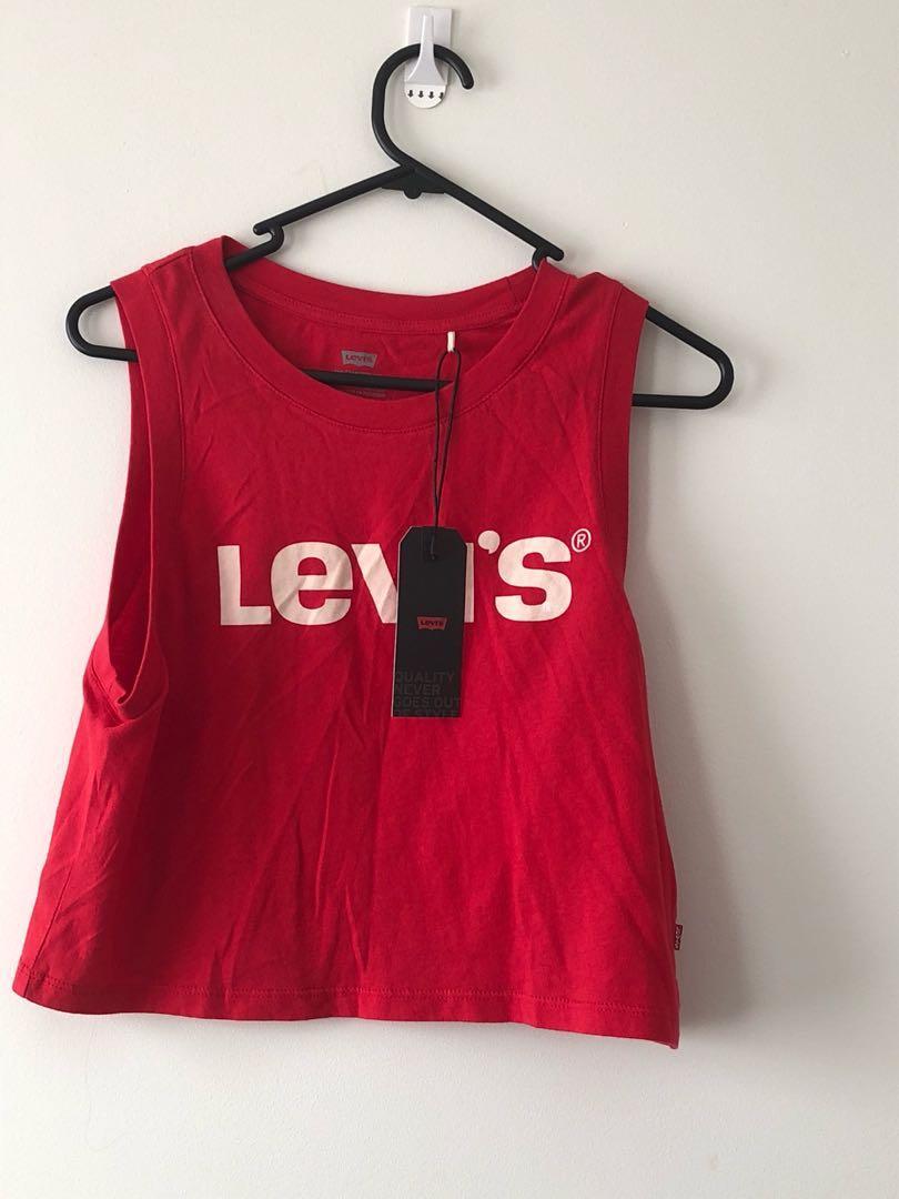 New Levi's red crop top