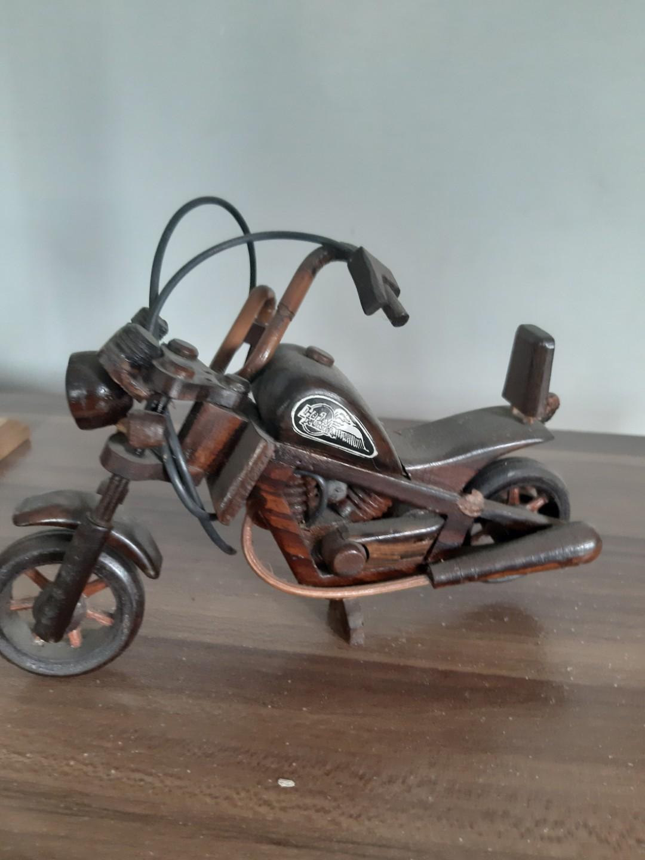 Miniatur sepeda motor Harley